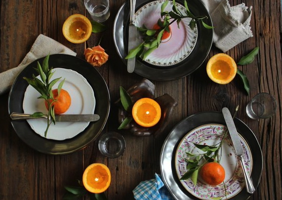 Citrus inspired table setting by Libbie Summers