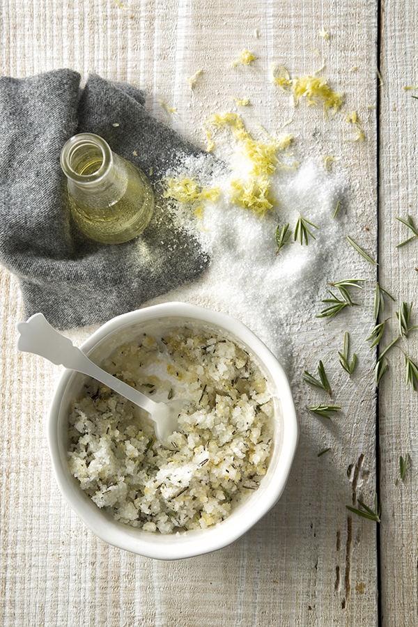 Grapefruit and Rosemary Salt Scrub from Libbie Summers (photography by Chia Chong for Salted and Styled)