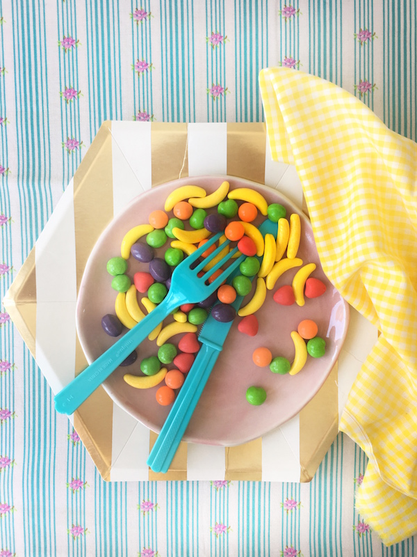 Candy, Tabletop Tuesday, Libbie Summers, Tabletop, Paper plates,