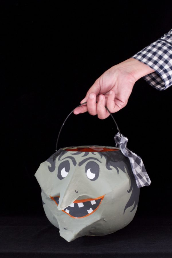 Libbie Summers, A Food-Inspired Life, Halloween, DiIY, How To, Candy, Candy Bucket, Crafts, Paper Mache,