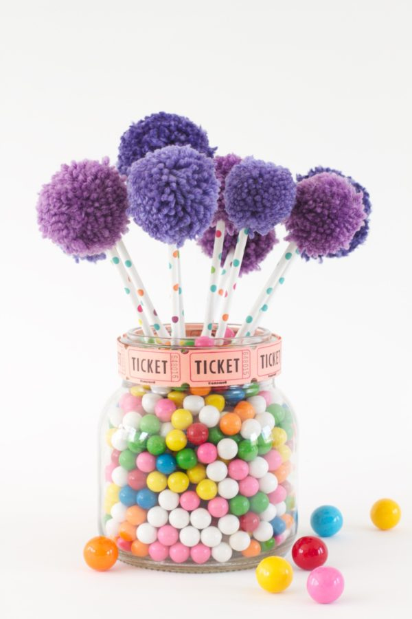 Gumballs, Crafting with Gumballs, Gumball Centerpiece, Pom poms, Paper Straw Centerpiece, A food-inspired life, Libbie Summers