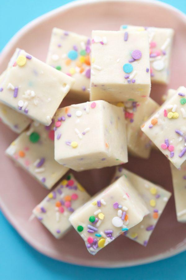 Yum Yum Smile Shop, Sprinkle Fudge, Bubble Gum Flavored Fudge, Sprinkles, Libbie Summers Recipes, food-inspired fun, Yum Yum Smile Shop, Smile, Easy Desserts, Libbiesprinkles,