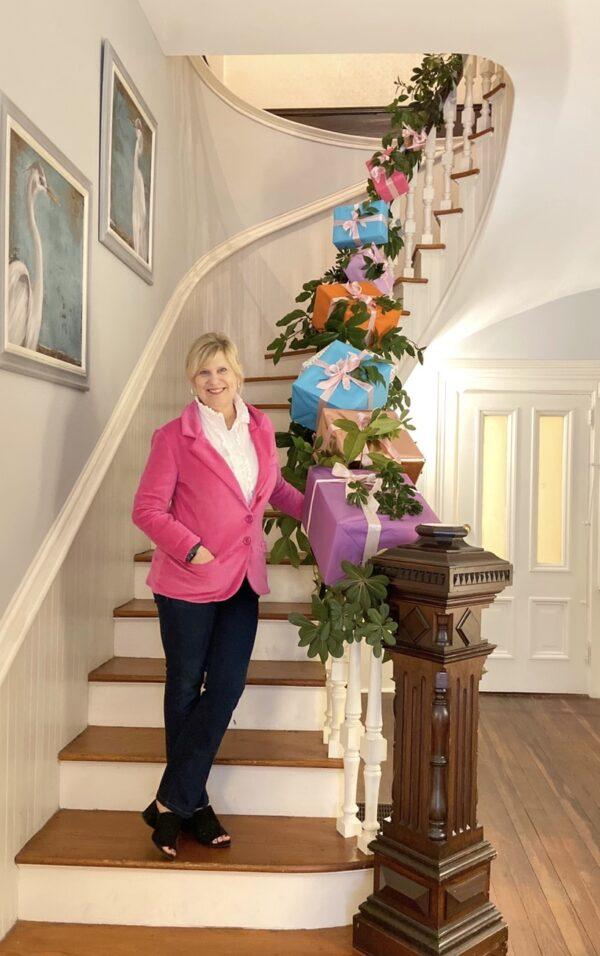 Carol Whitney, The Paxton House, Thomasville, Georgia, Yum Yum Smile Shop, Libbie Summers, Gift Garland, Holiday Gift Garland