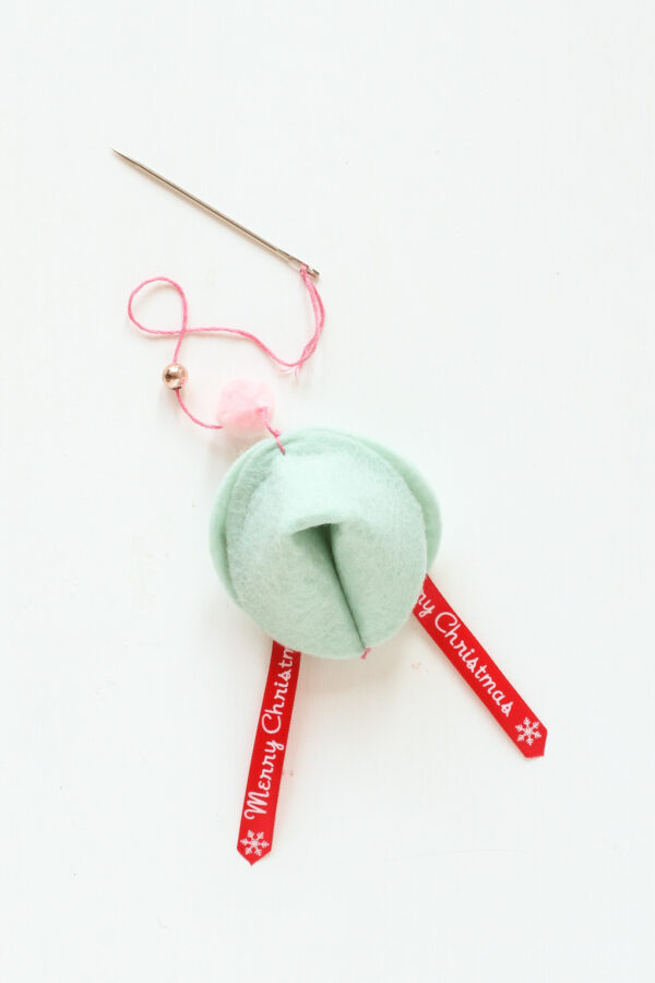Felt Ornaments, Fortune Cookie Ornaments, Felt Crafts, Libbie Summers Crafts, Holiday Crafts, Holiday Ornaments