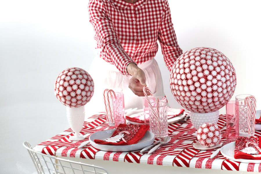 Holiday decor, Holiday Tablescapes, Candy Cane Inspired Tablescape, Holiday Decorating, Holiday Entertaining, Libbie Summers, A food-inspired life,