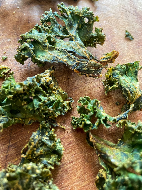 Kale Chips, Healthy Snacks, Spiced Kale, Kale Recipes, Libbie Summers Recipes, A food-inspired life, Libbie Summers