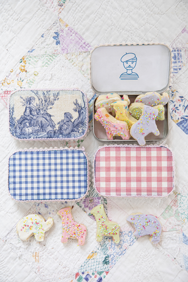 Party Favors, Animal Cookie Recipe, Libbie Summers Recipes, a food-inspired life, party gifts, upcycled gift tins, altoids tins upcycled, cookie recipe, sugar cookie recipe,