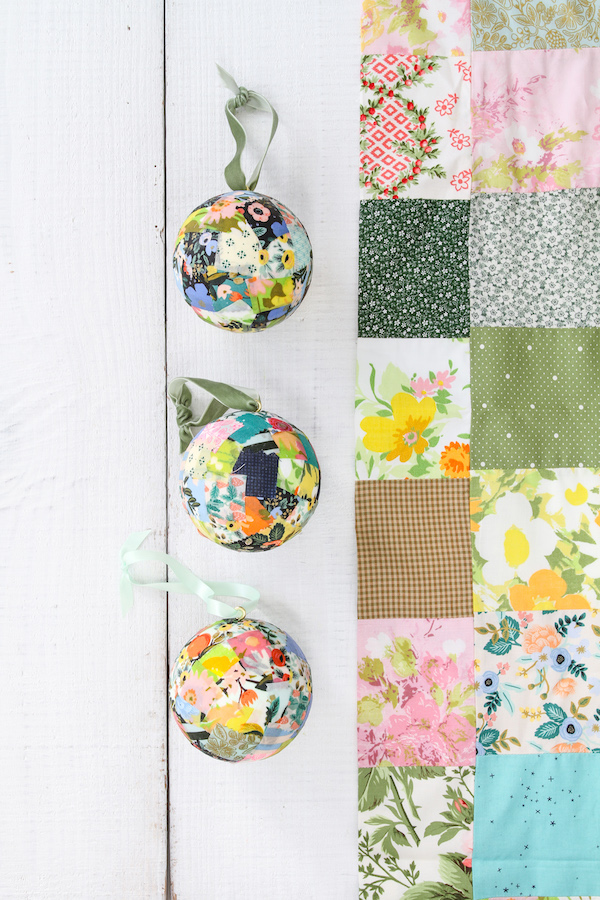 Quick Crafts, Ornaments, Homemade Ornaments, Patchwork Fabric, Holiday Decorating, Libbie Summers, A food-inspired life, Christmas Decorating, Easy Crafts, Easy Holiday Crafts